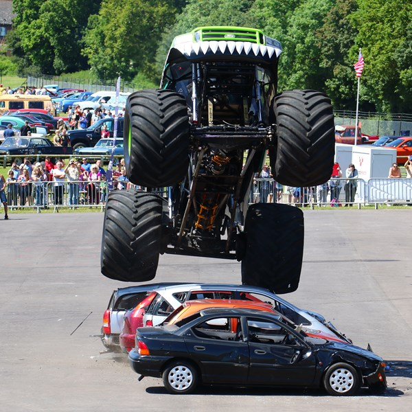Monster Truck Stunt Show (SUNDAY)